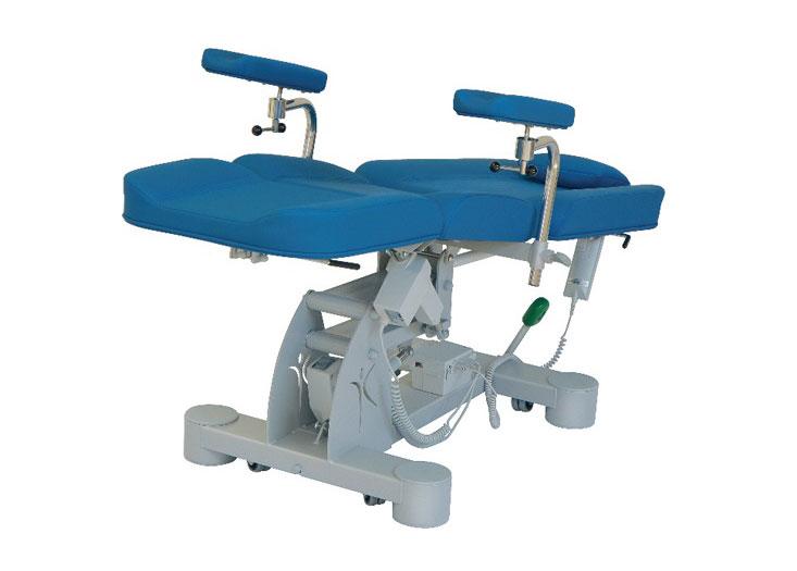 Blutentnahmestuhl, hydraulisch u. elektrisch verstellbar